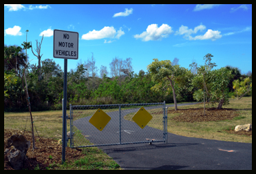 No Motor Vehicles - Rotary Park - Cape Coral
